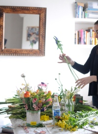 Airbnb DIY flower arrangements Chelsea Fuss