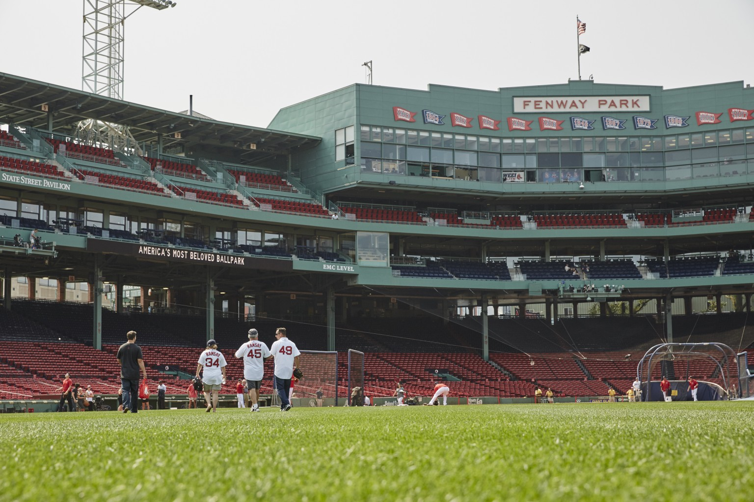 Night-At_Fenway-Park_Elliott_150902_1562