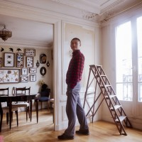 Airbnb blog 7 travelers with 7 suitcases to Paris