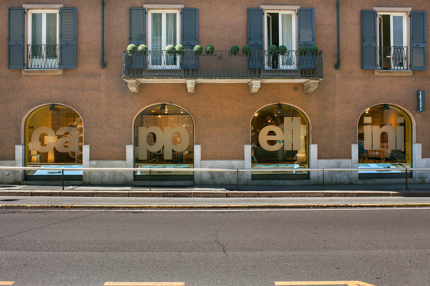 Local lens alla ricerca del design a milano the airbnb for Casa del design milano