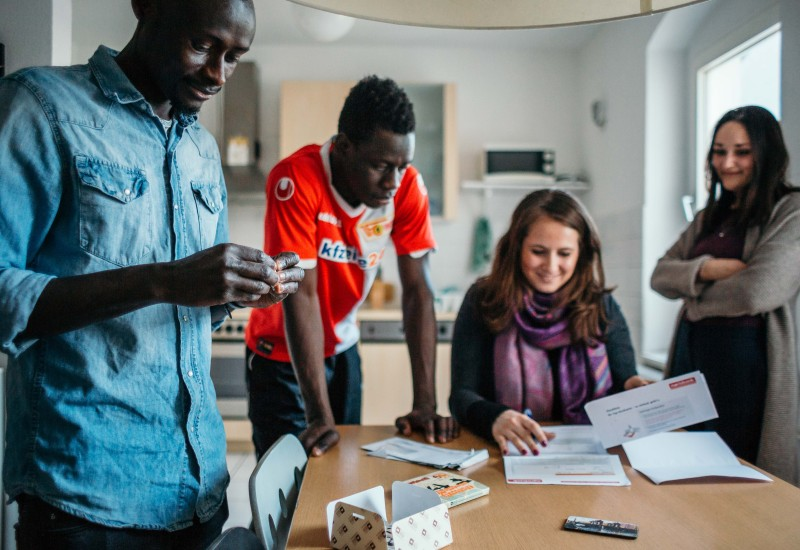 Annika_Berlin Host with refugees