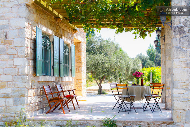 urla vineyard porch